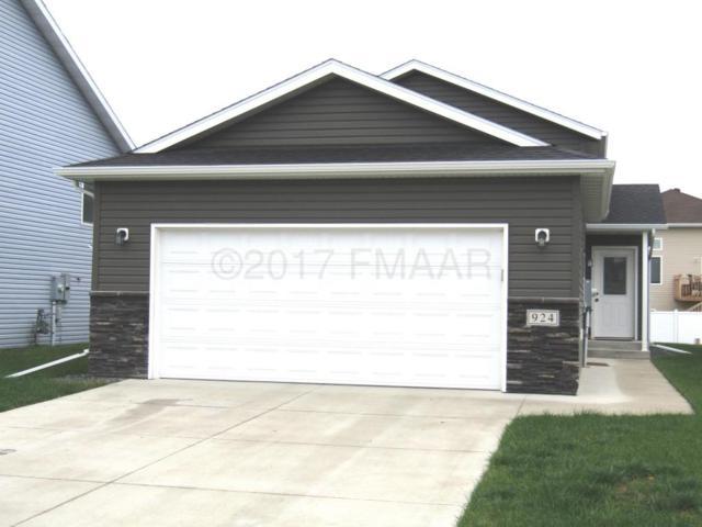 924 30 Avenue W, West Fargo, ND 58078 (MLS #17-5868) :: FM Team