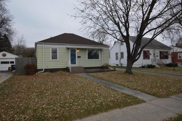 1421 7 Street N, Fargo, ND 58102 (MLS #17-6392) :: FM Team