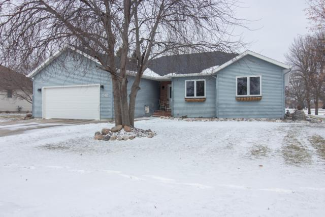 512 Fairway Drive, Casselton, ND 58012 (MLS #18-6231) :: FM Team