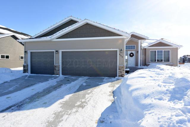 809 23 Avenue W, West Fargo, ND 58078 (MLS #19-1044) :: FM Team