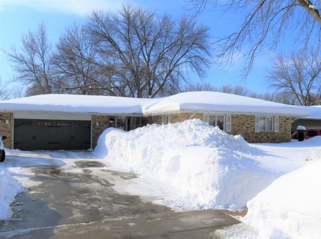 2862 Westgate Drive S, Fargo, ND 58103 (MLS #19-1061) :: FM Team