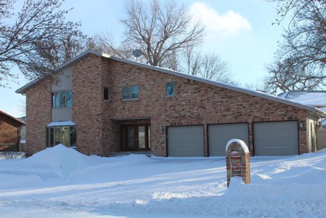 121 Prairiewood Drive S, Fargo, ND 58103 (MLS #19-430) :: FM Team