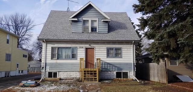 1228 10 Street N, Fargo, ND 58102 (MLS #19-7048) :: FM Team