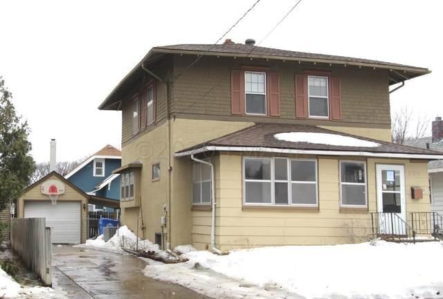 810 11TH Avenue N, Fargo, ND 58102 (MLS #20-1492) :: FM Team
