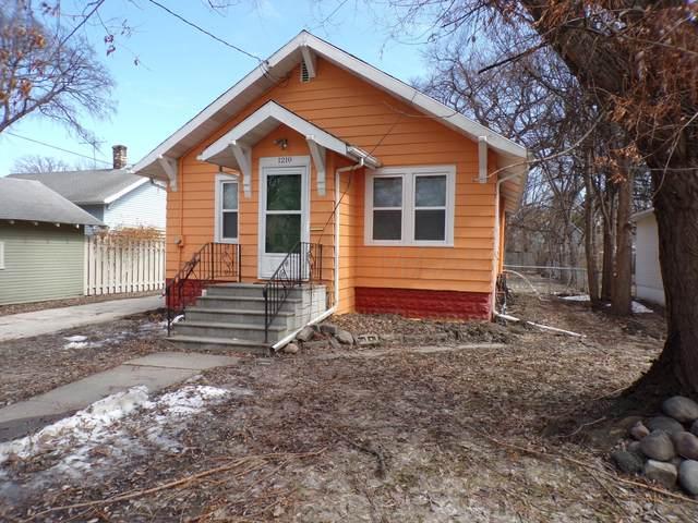 1210 11TH Street S, Fargo, ND 58103 (MLS #20-1694) :: FM Team