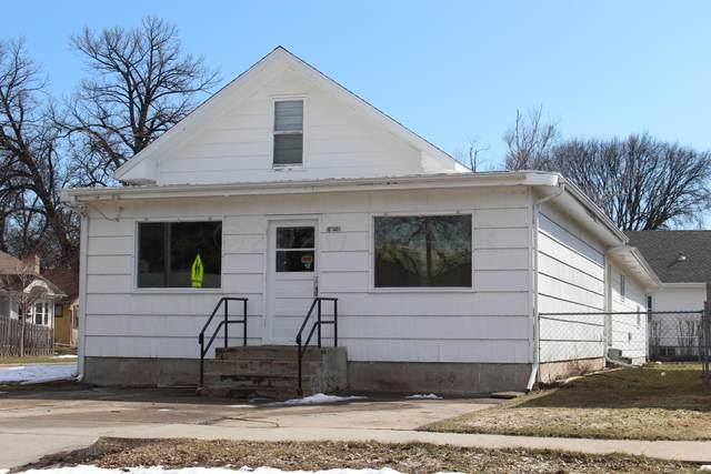 1452 5 Street S, Fargo, ND 58103 (MLS #20-1860) :: FM Team