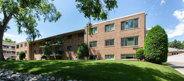 605 7TH Street S #4, Fargo, ND 58103 (MLS #20-4256) :: FM Team