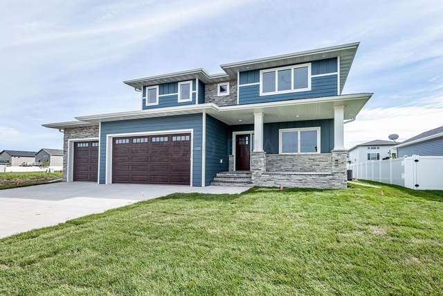 5324 Grayland Drive S, Fargo, ND 58104 (MLS #20-5358) :: FM Team