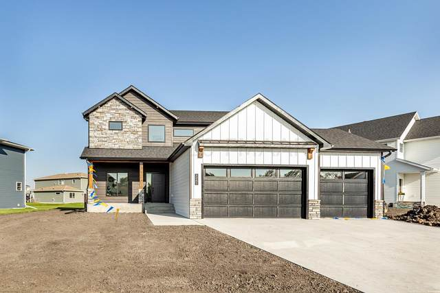 7741 Firefly Lane, Horace, ND 58047 (MLS #20-5590) :: FM Team