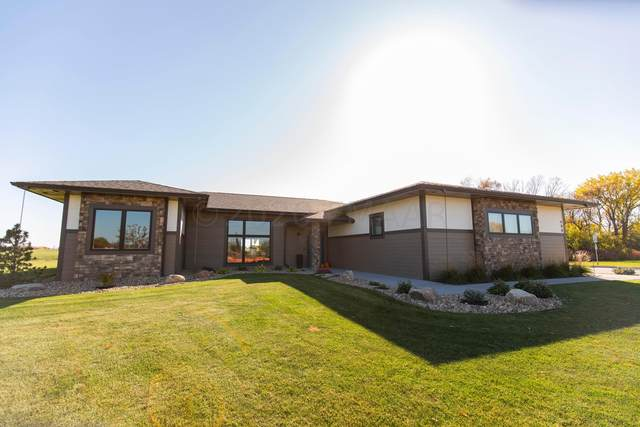 680 Riverbend Road, Oxbow, ND 58047 (MLS #20-5940) :: FM Team