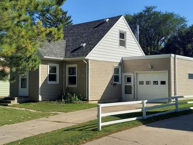 1910 11 Avenue S, Fargo, ND 58103 (MLS #20-5982) :: FM Team
