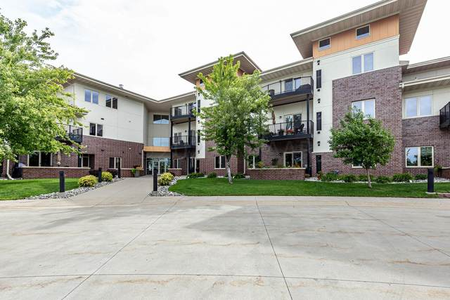 3200 11TH Street S #211, Fargo, ND 58104 (MLS #21-179) :: FM Team