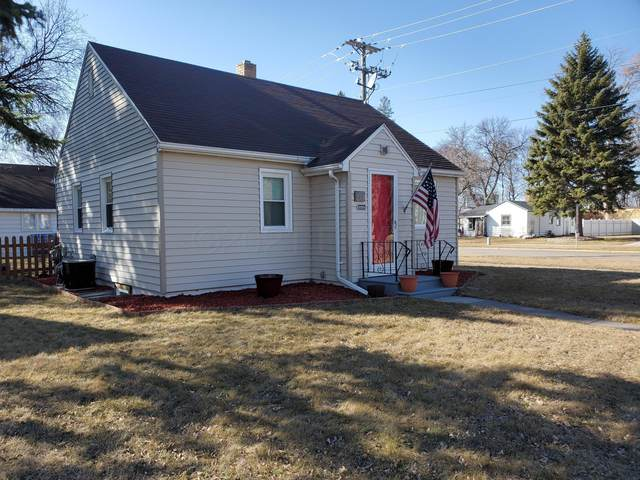 201 14TH Street S, Moorhead, MN 56560 (MLS #21-1872) :: FM Team