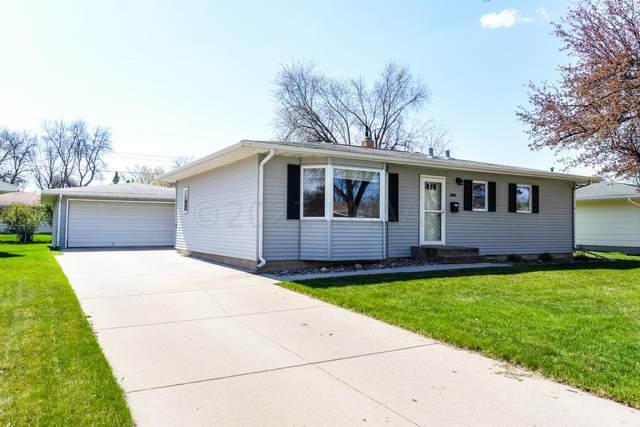 2931 Edgemont Street N, Fargo, ND 58102 (MLS #21-2386) :: FM Team