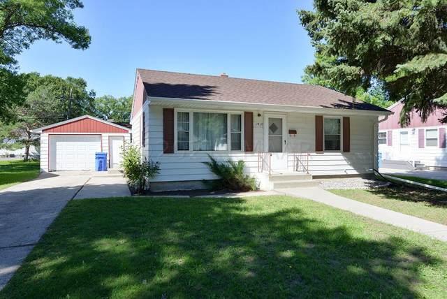 1910 7 Street N, Fargo, ND 58102 (MLS #21-5052) :: RE/MAX Signature Properties