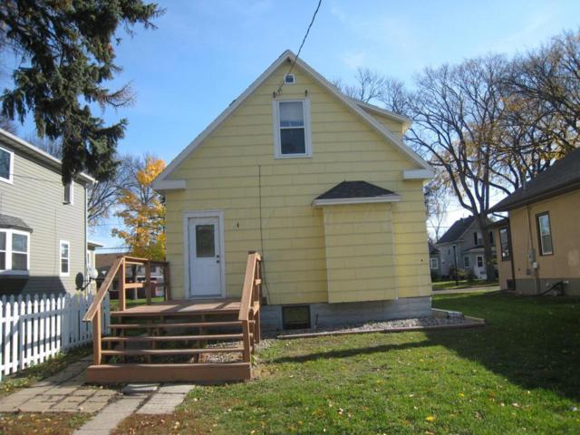 724 Oak Street N, Fargo, ND 58102 (MLS #17-6089) :: FM Team