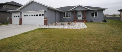223 39 Avenue E, West Fargo, ND 58078 (MLS #17-4563) :: FM Team