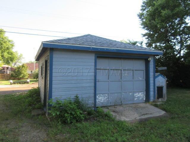 406 1 Avenue SE, Dilworth, MN 56529 (MLS #17-4796) :: FM Team
