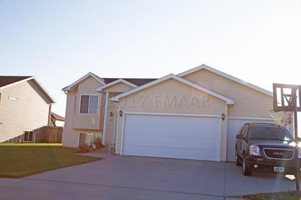 4541 10 Street W, West Fargo, ND 58078 (MLS #17-5471) :: FM Team