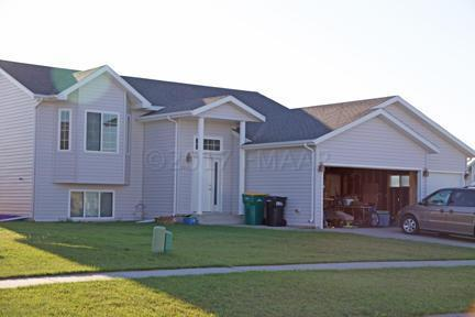 4537 Newport Lane, West Fargo, ND 58078 (MLS #17-5693) :: FM Team