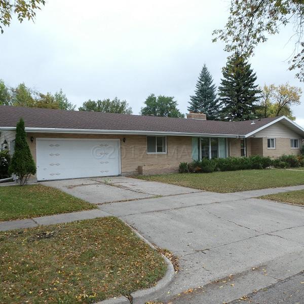 318 18TH Avenue S, Moorhead, MN 56560 (MLS #17-6045) :: JK Property Partners Real Estate Team of Keller Williams Inspire Realty