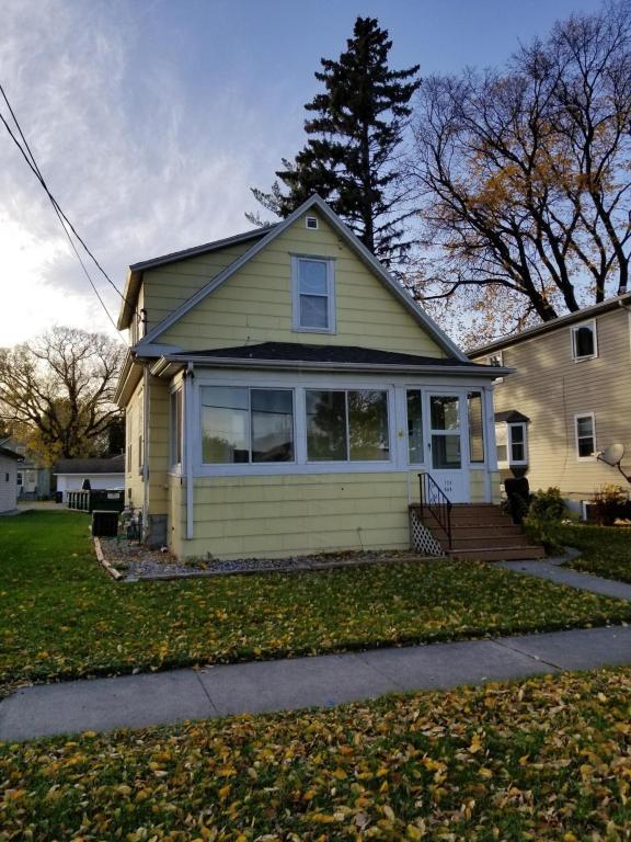 724 Oak Street N, Fargo, ND 58102 (MLS #17-6089) :: JK Property Partners Real Estate Team of Keller Williams Inspire Realty