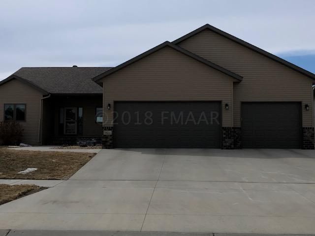 3824 Reserve Drive E, West Fargo, ND 58078 (MLS #18-1830) :: FM Team
