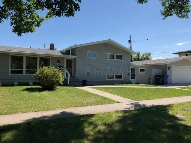 702 30 Avenue N, Fargo, ND 58102 (MLS #18-3279) :: FM Team