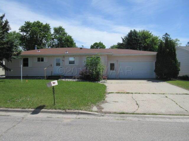125 Adams Street, Crookston, MN 56716 (MLS #18-3795) :: FM Team
