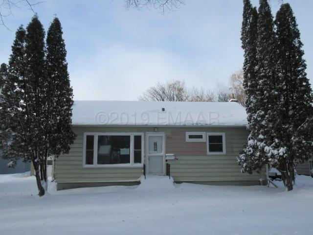 913 15 Street S, Fargo, ND 58103 (MLS #19-54) :: FM Team
