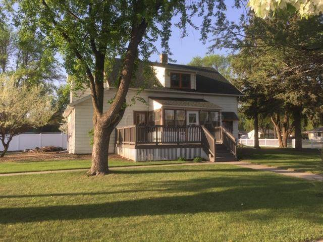 601 19 Avenue N, Fargo, ND 58102 (MLS #20-1369) :: FM Team