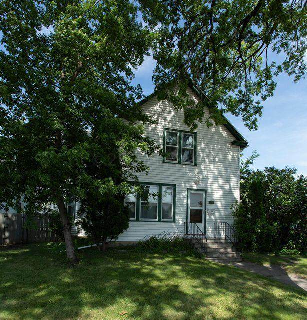 308 10 Street N, Fargo, ND 58102 (MLS #21-1841) :: FM Team