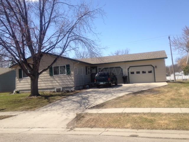 38 Evergreen Circle, West Fargo, ND 58078 (MLS #18-1390) :: FM Team