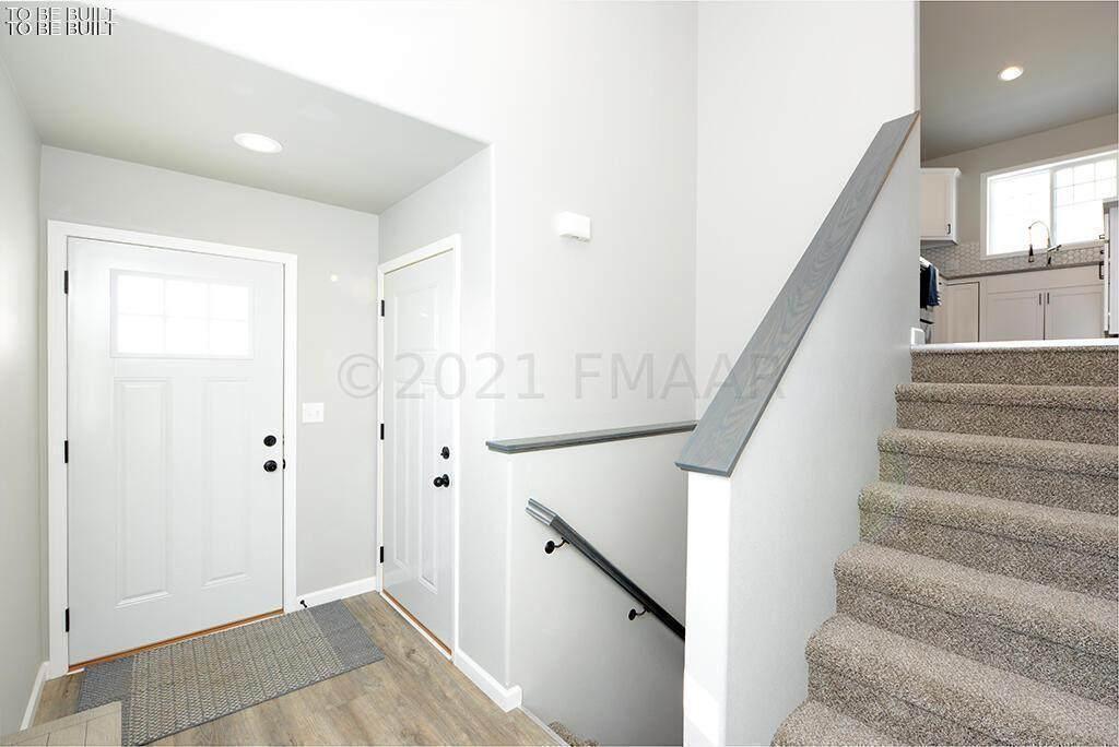 6020 78 Avenue - Photo 1