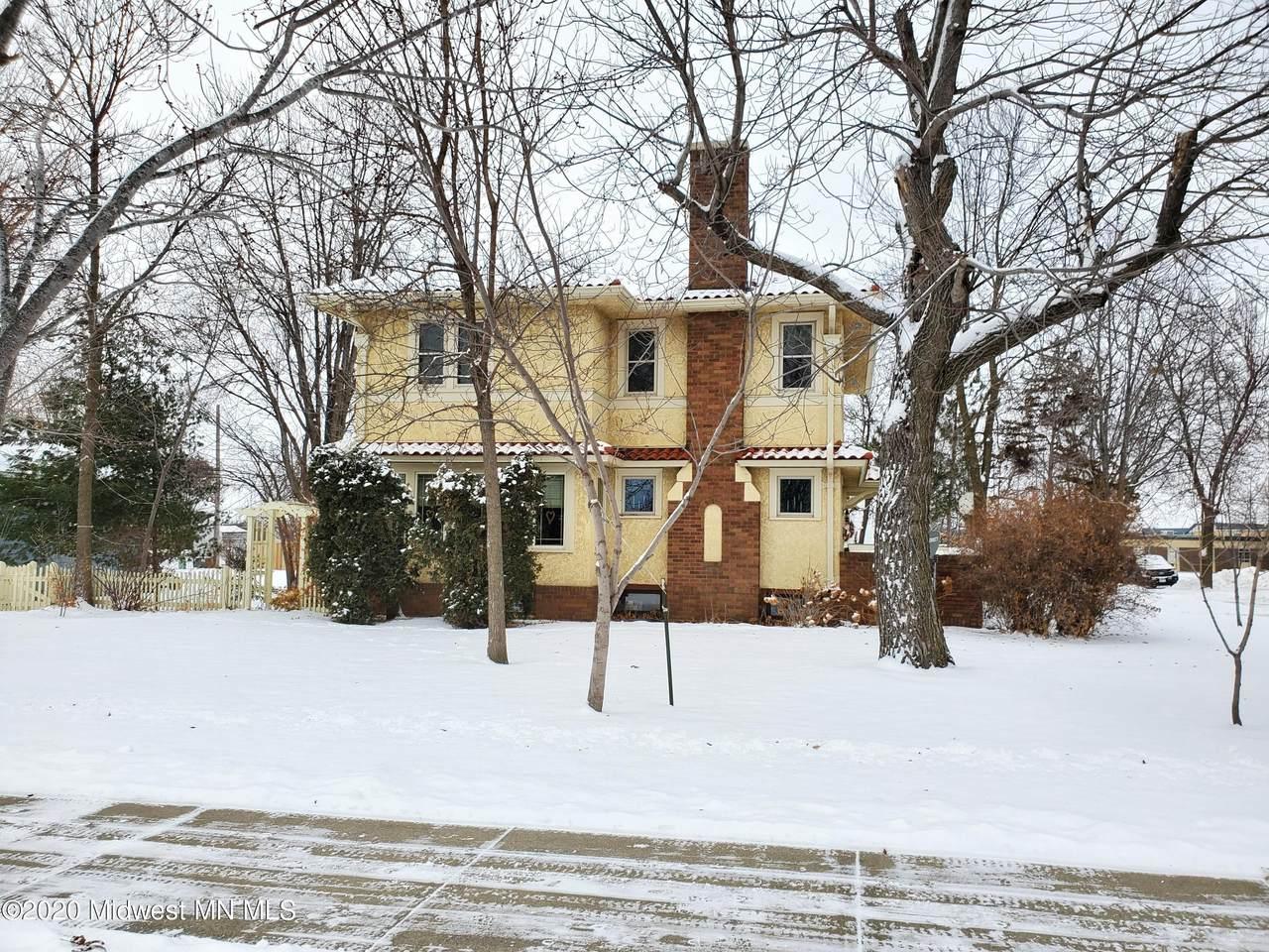 303 Dayton Avenue - Photo 1