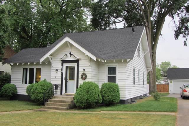 817 W Lincoln Avenue, Fergus Falls, MN 56537 (MLS #20-29019) :: Ryan Hanson Homes- Keller Williams Realty Professionals