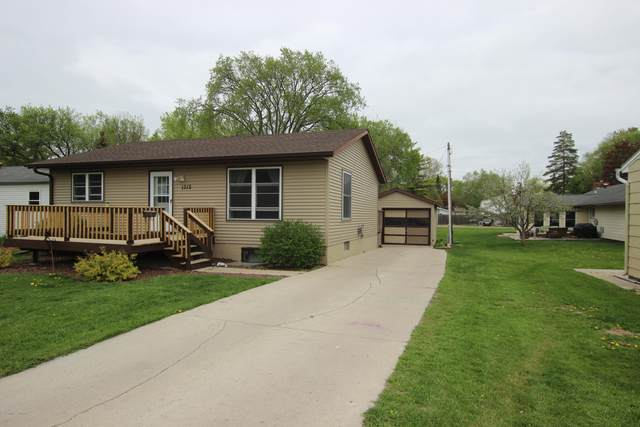 1312 N Park, Fergus Falls, MN 56537 (MLS #20-30353) :: Ryan Hanson Homes- Keller Williams Realty Professionals