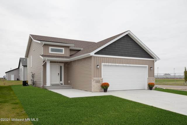 1114 Lilac Lane, Moorhead, MN 56560 (MLS #20-32588) :: Ryan Hanson Homes- Keller Williams Realty Professionals