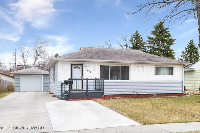 1422 17th Street S, Moorhead, MN 56560 (MLS #20-33362) :: Ryan Hanson Homes- Keller Williams Realty Professionals
