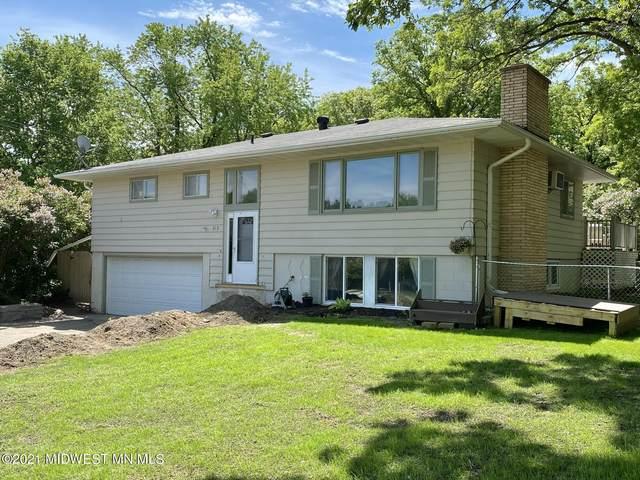 812 Pembina Trail, Detroit Lakes, MN 56501 (MLS #20-33873) :: Ryan Hanson Homes- Keller Williams Realty Professionals