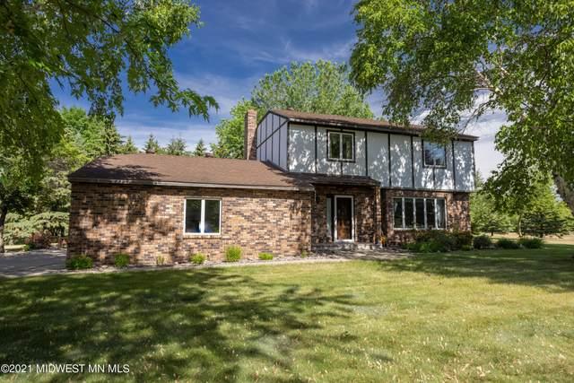 1231 Oakwood, Fergus Falls, MN 56537 (MLS #20-33977) :: RE/MAX Signature Properties