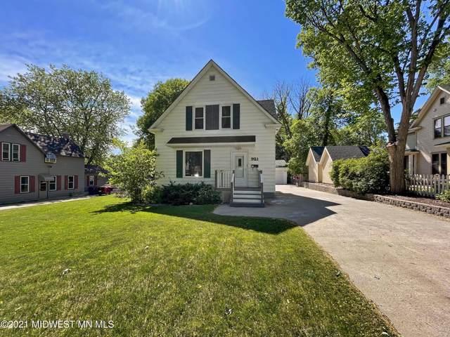 921 N Vine Street, Fergus Falls, MN 56537 (MLS #6069809) :: Ryan Hanson Homes- Keller Williams Realty Professionals