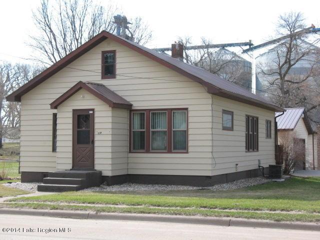119 Division Street W, Elbow Lake, MN 56531 (MLS #20-22337) :: Ryan Hanson Homes Team- Keller Williams Realty Professionals