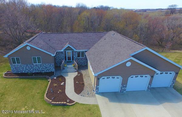 1000 2nd Street Ne, Elbow Lake, MN 56531 (MLS #20-26359) :: Ryan Hanson Homes- Keller Williams Realty Professionals