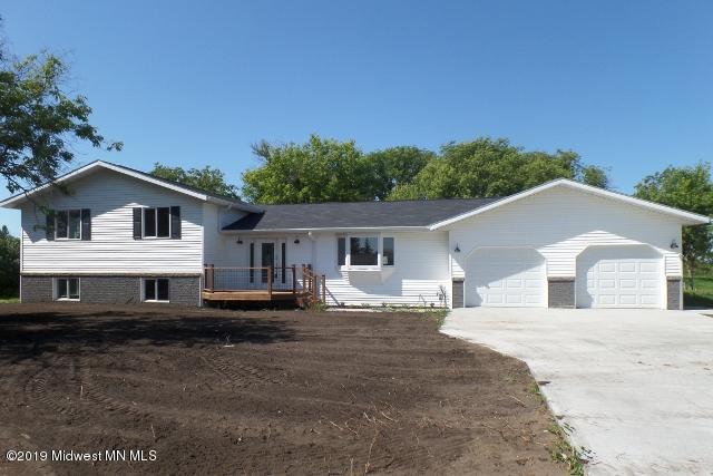 225 NE 8th Street, Perham, MN 56573 (MLS #20-27610) :: Ryan Hanson Homes- Keller Williams Realty Professionals