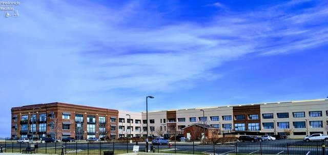 401 W Shoreline Drive #108, Sandusky, OH 44870 (MLS #20202976) :: The Holden Agency