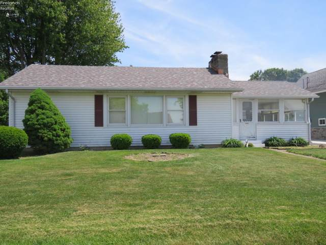 1561 N Edgewater Drive, Port Clinton, OH 43452 (MLS #20204332) :: The Holden Agency
