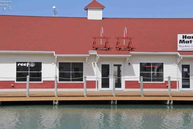 3856 Harbor Light Landing Drive, Port Clinton, OH 43452 (MLS #20204632) :: The Holden Agency