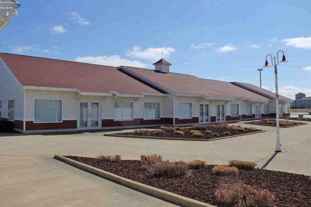 3814 Harbor Light Landing Drive, Port Clinton, OH 43452 (MLS #20204634) :: The Holden Agency