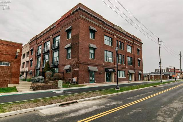 401 W Shoreline Drive 300½, Sandusky, OH 44870 (MLS #20210071) :: The Holden Agency